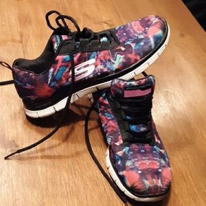 Sketchers size 8.5 multi colored shoes